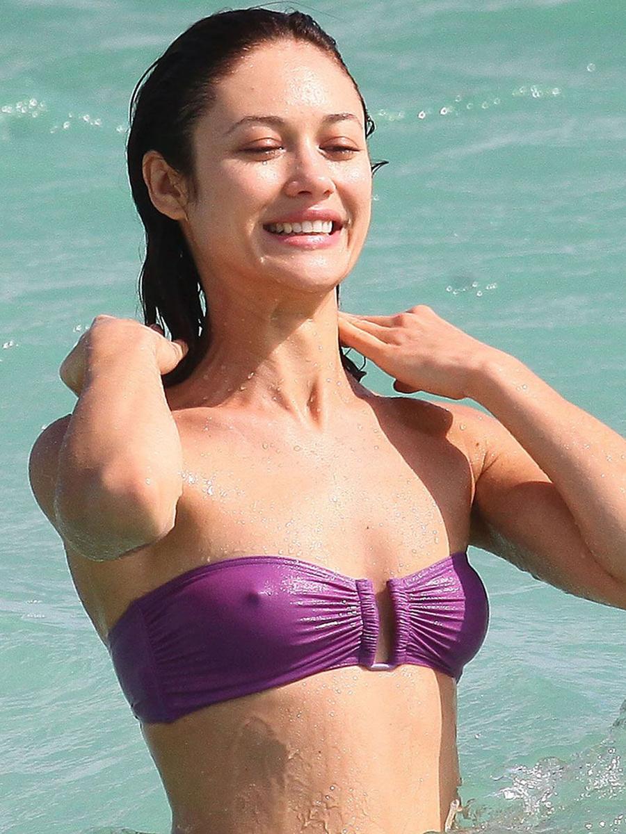 Ольга Куриленко в фиолетовом купальнике в Майами