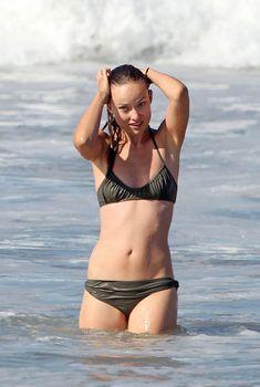 Оливия Уайлд в скромном купальнике в Майами