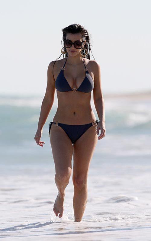 Ким Кардашьян на открытии отеля Fontainebleau в Майами